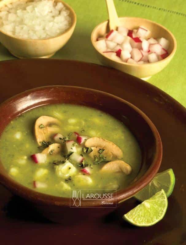 Pozole-verde-vegetariano-001-Larousse-Cocina