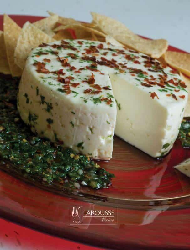 Queso-en-hierbas-mexicanas-001-Larousse-Cocina