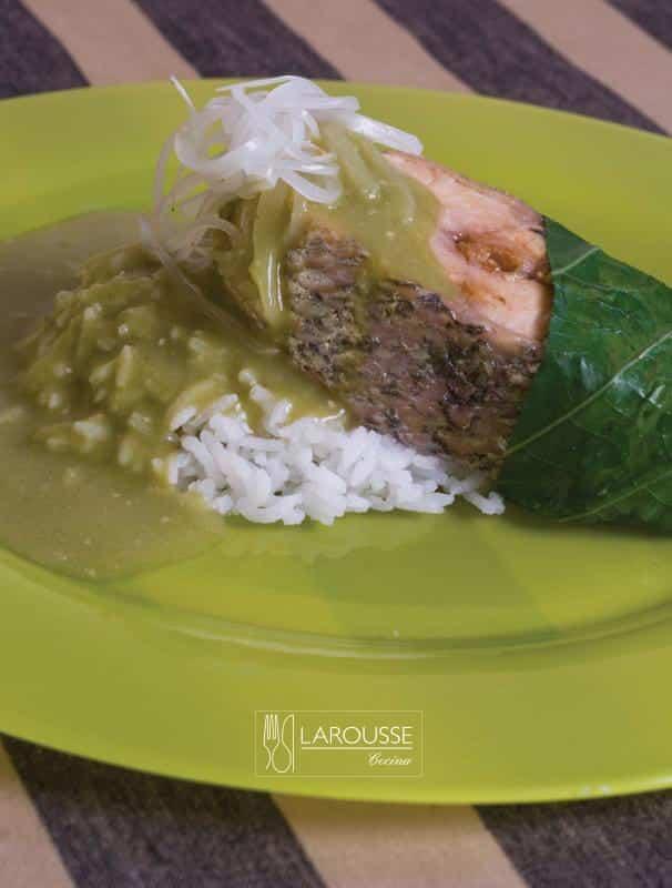 Robalo-en-acuyo-001-Larousse-Cocina