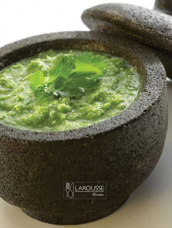 Salsas-verdes-cruda-y-asada-001-Larousse-Cocina