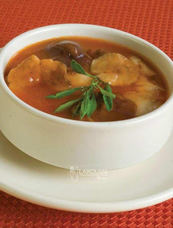 Sopa-de-hongos-001-Larousse-Cocina