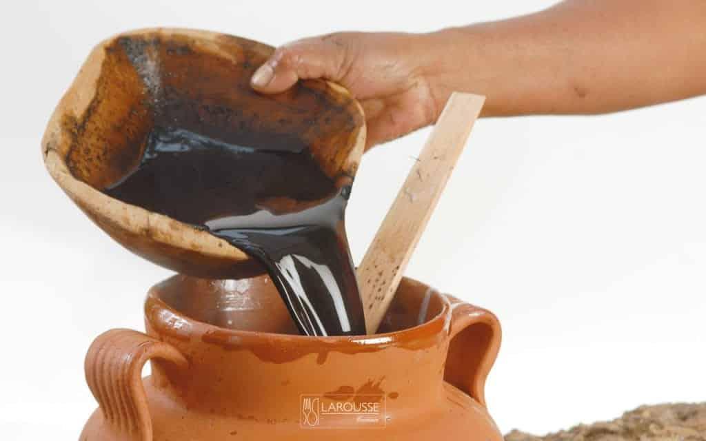 atole-negro-purepecha-001-larousse-cocina