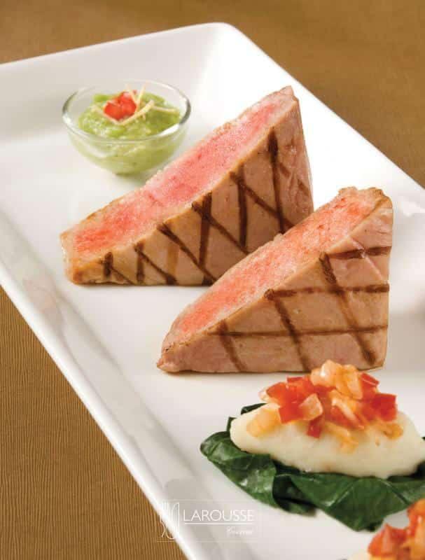 atun-glaseado-con-piloncillo-y-chile-ancho-001-larousse-cocina