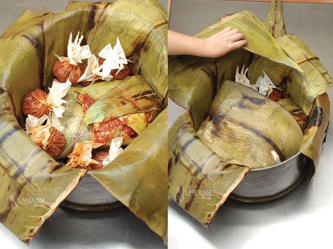 <p>Cubra la barbacoa con las pencas de maguey que sobresalen del borde de la vaporera.</p>