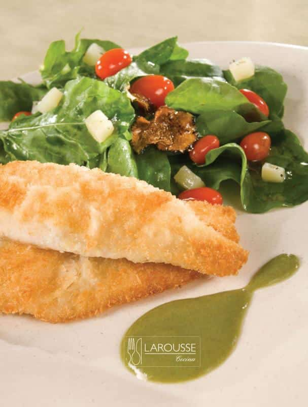 cabrilla-al-panko-con-pipian-verde-001-larousse-cocina