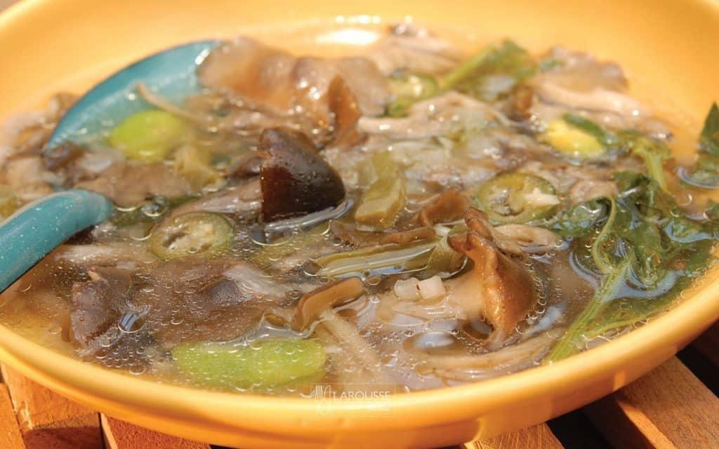 caldo-de-hongos-silvestres-001-larousse-cocina
