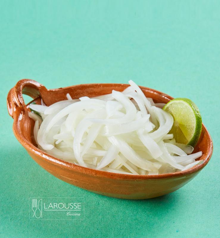 cebolla-curtida-001-larousse-cocina