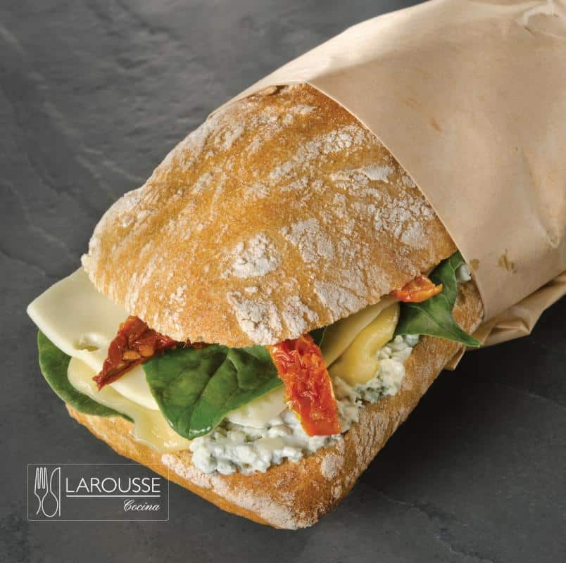 chapata-de-tres-quesos-001-larousse-cocina