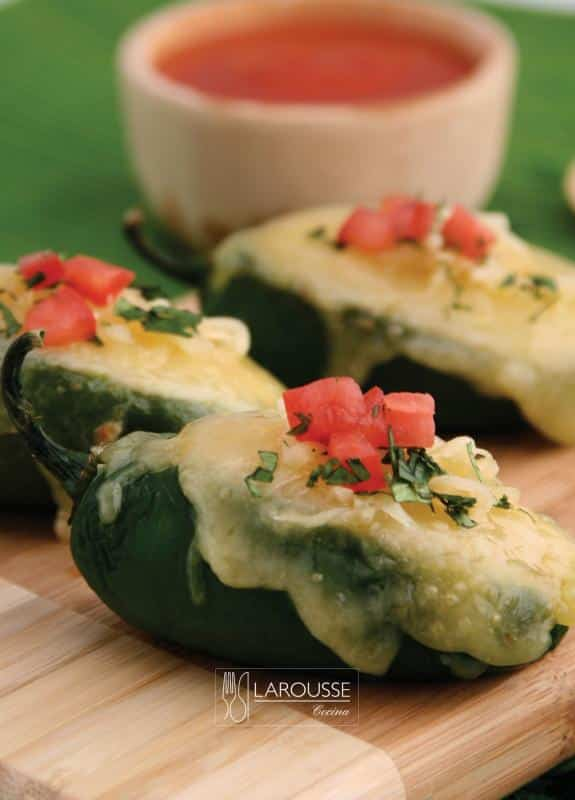 chiles-jalapenos-rellenos-001-larousse-cocina_0