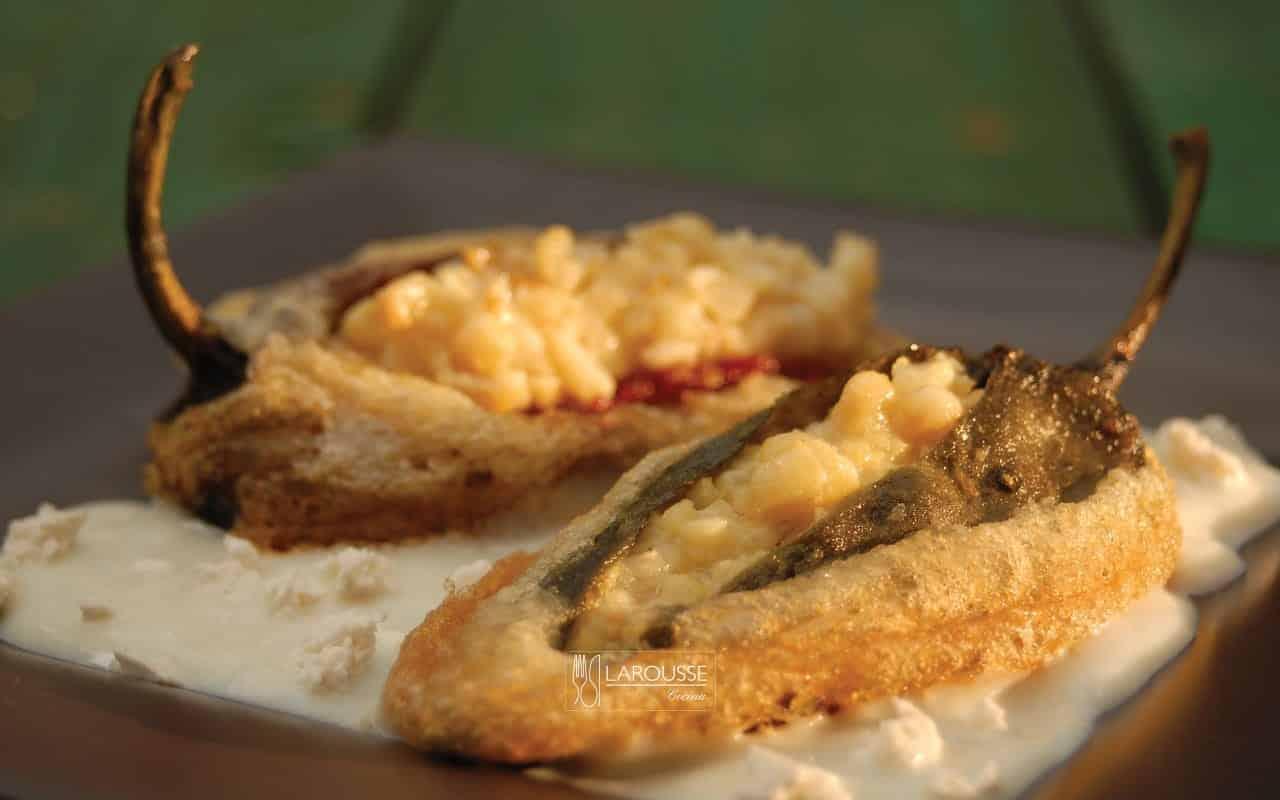 chiles-pasados-rellenos-de-chacales-001-larousse-cocina