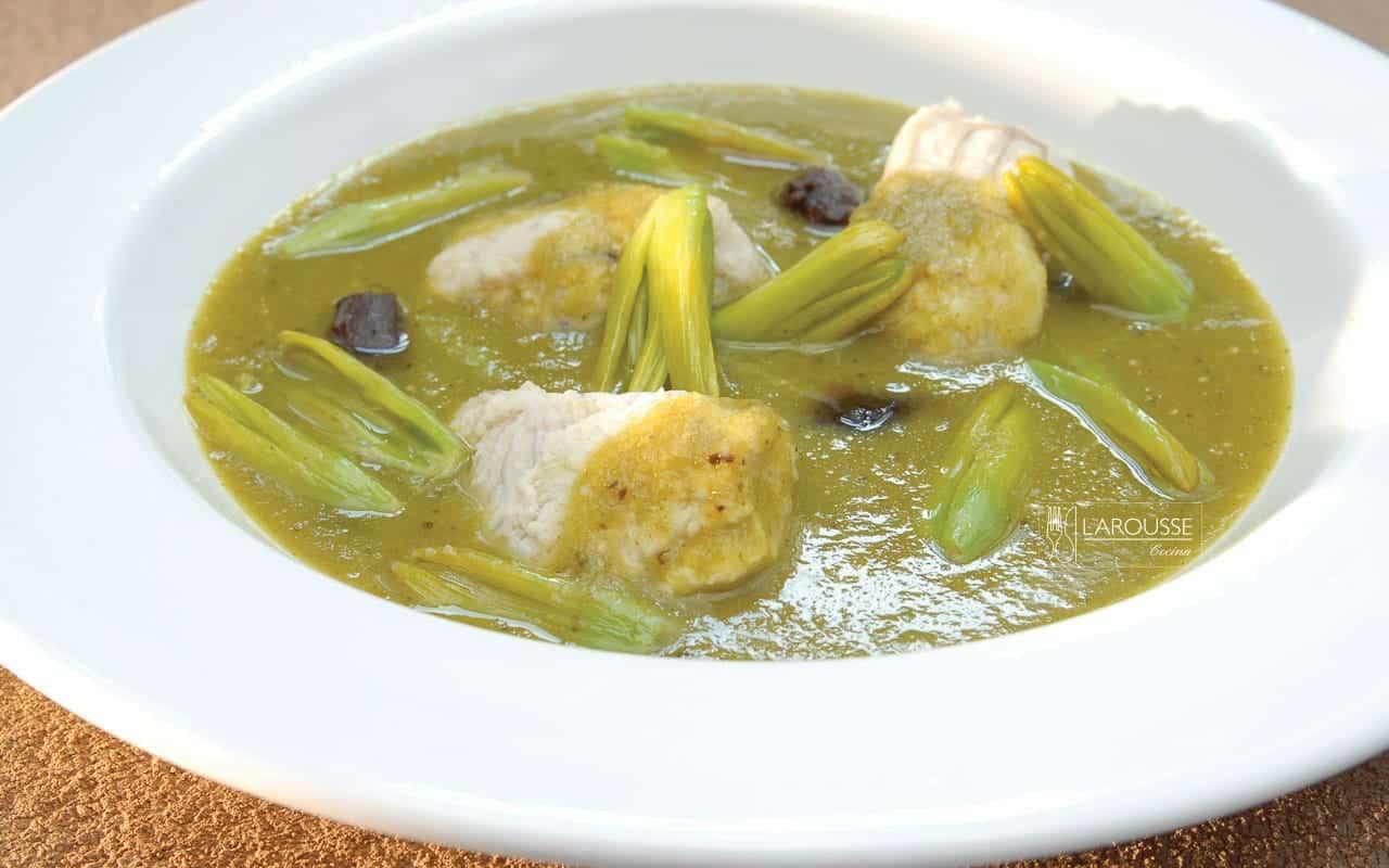 clemole-de-bagre-al-pulque-001-larousse-cocina