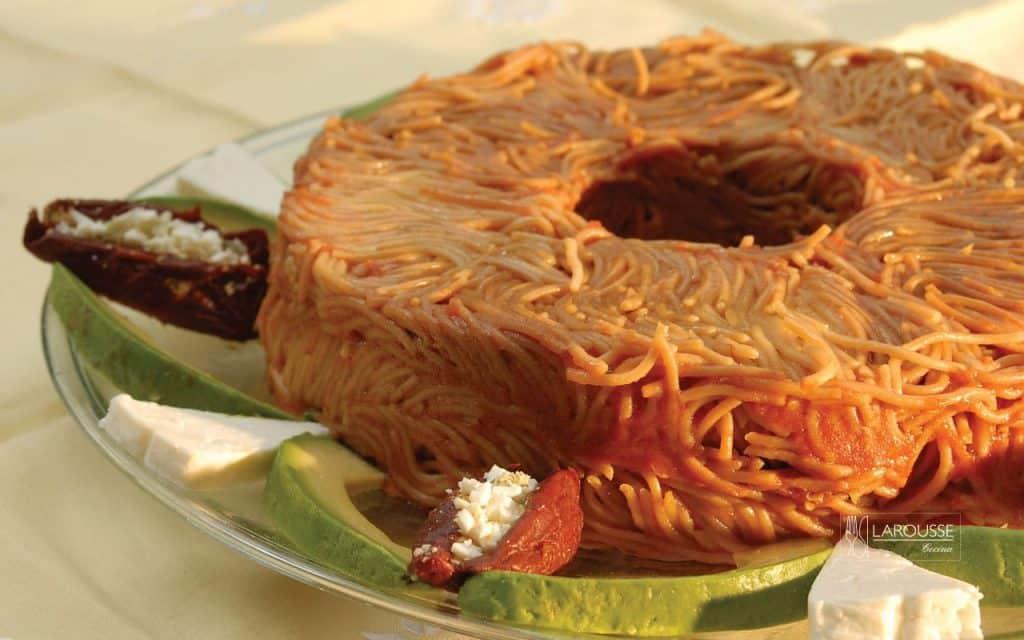 corona-de-fideos-001-larousse-cocina