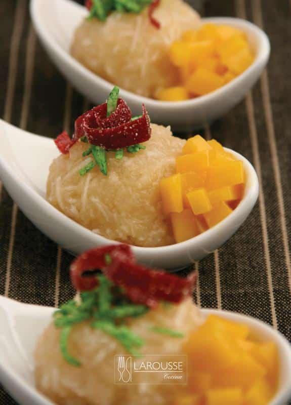 dulce-de-coco-con-mangos-001-larousse-cocina_0