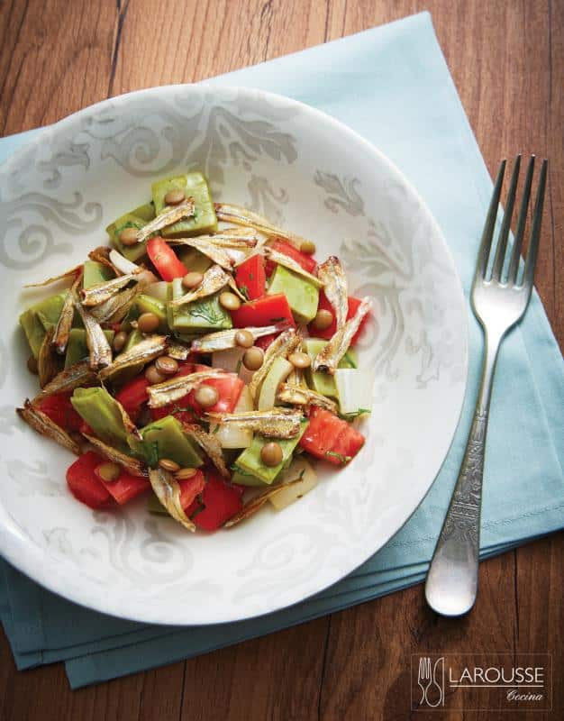 ensalada-de-charales-y-nopales-001-larousse-cocina