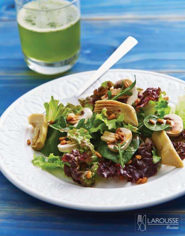 ensalada-verde-con-alcachofas-y-champinones-001-larousse-cocina