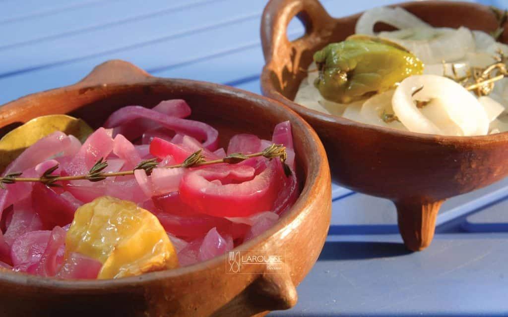 escabeche-de-cebolla-morada-001-larousse-cocina
