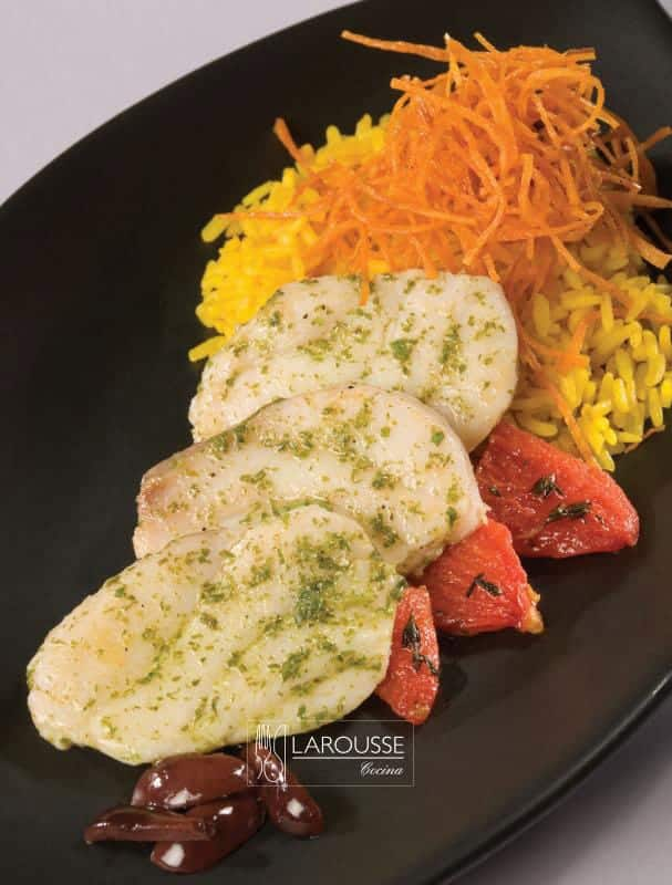 filete-de-robalo-marinado-al-cilantro-001-larousse-cocina