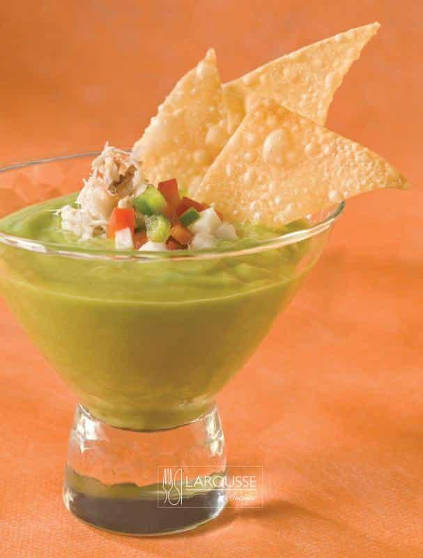 gazpacho-de-aguacate-001-larousse-cocina