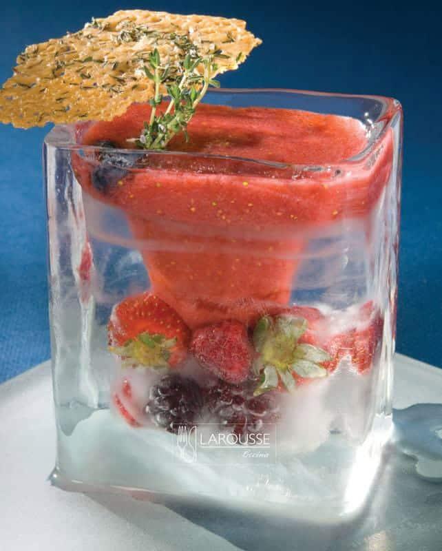 gazpacho-de-frutas-rojas-001-larousse-cocina