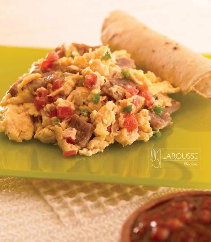 huevos-aporreados-001-larousse-cocina_0