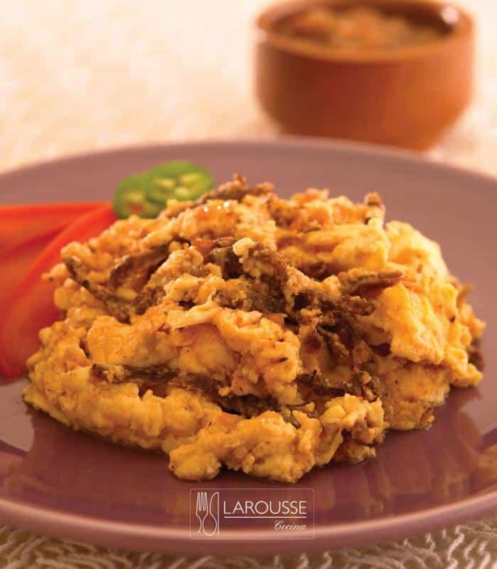 machaca-con-huevo-001-larousse-cocina_0