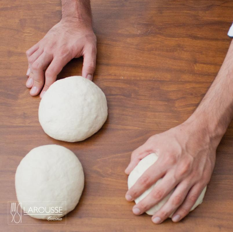 masa-para-pizza-001-larousse-cocina