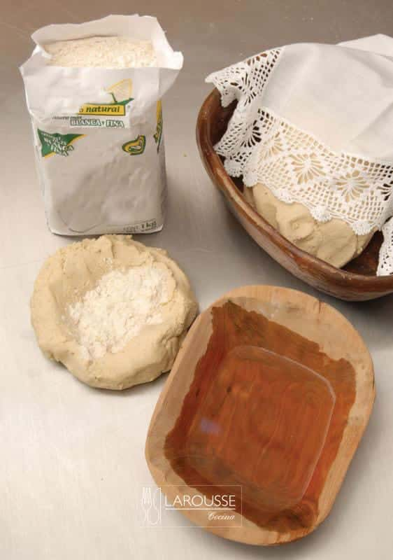 masa-para-preparar-tortillas-y-antojitos-001-larousse-cocina