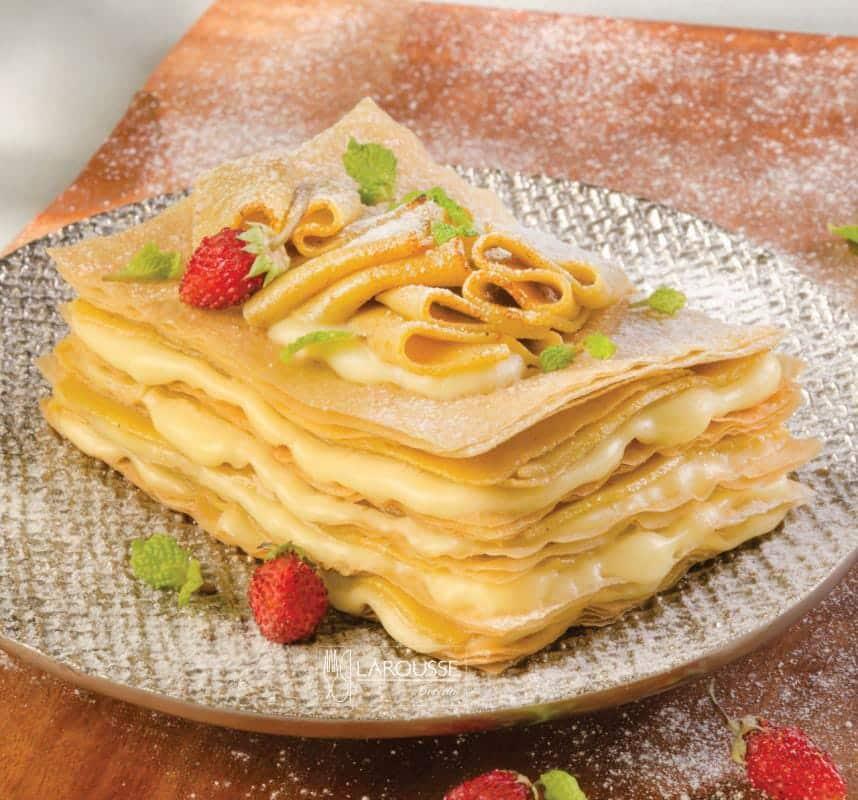 mil-hojas-de-ate-con-queso-001-larousse-cocina