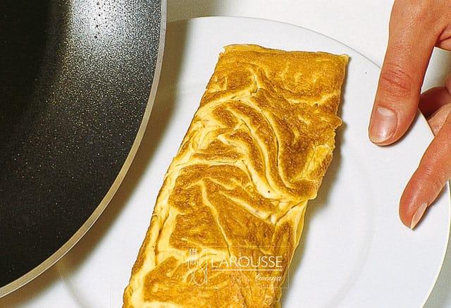 omelet-basico-005-larousse-cocina