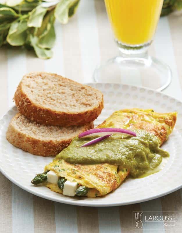 omelet-de-esparragos-y-queso-panela-001-larousse-cocina