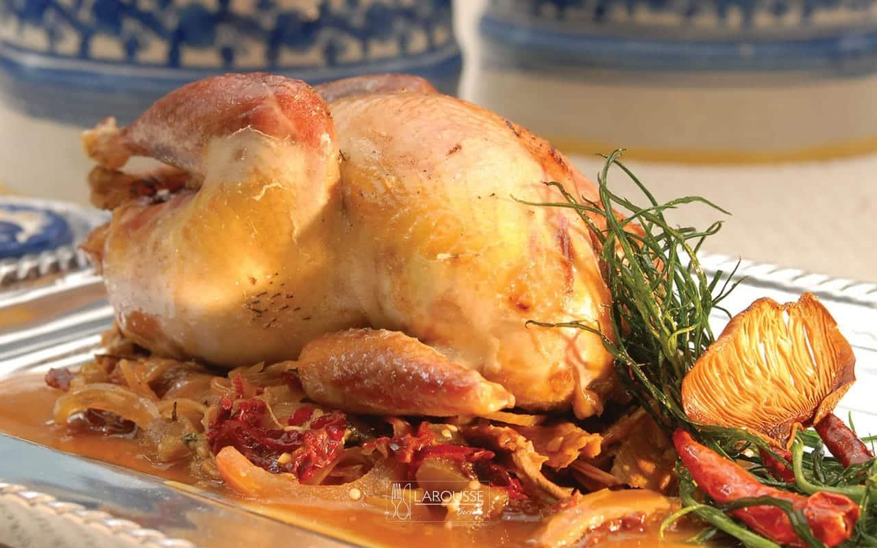 perdices-en-salsa-de-hongos-tecomates-001-larousse-cocina