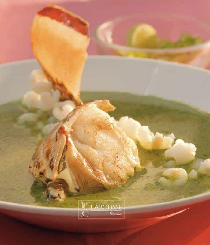 pozole-de-langosta-001-larousse-cocina