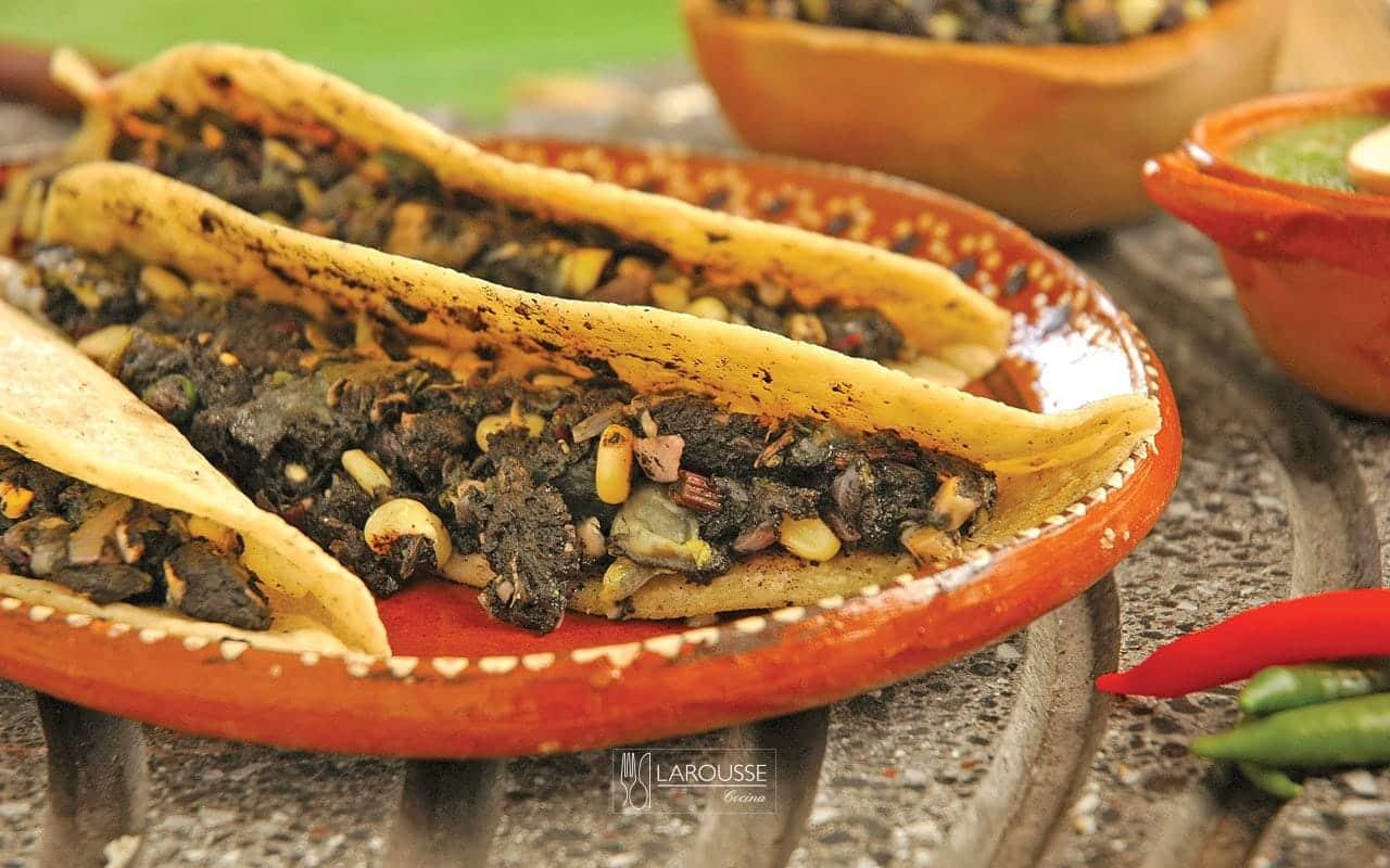quesadillas-de-huitlacoche-001-larousse-cocina