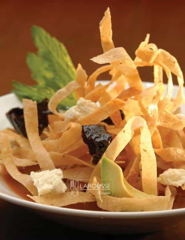 sopa-de-tortilla-001-larousse-cocina