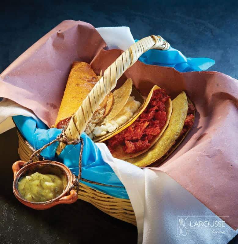Tacos sudados, o tacos de canasta.