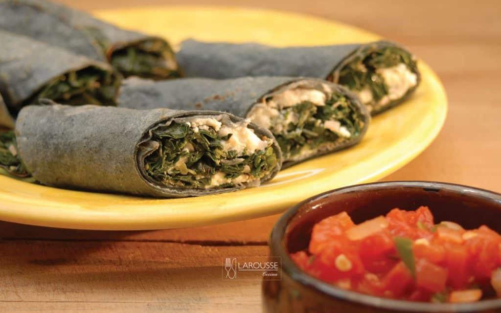 tacos-de-quelites-con-requeson-001-larousse-cocina