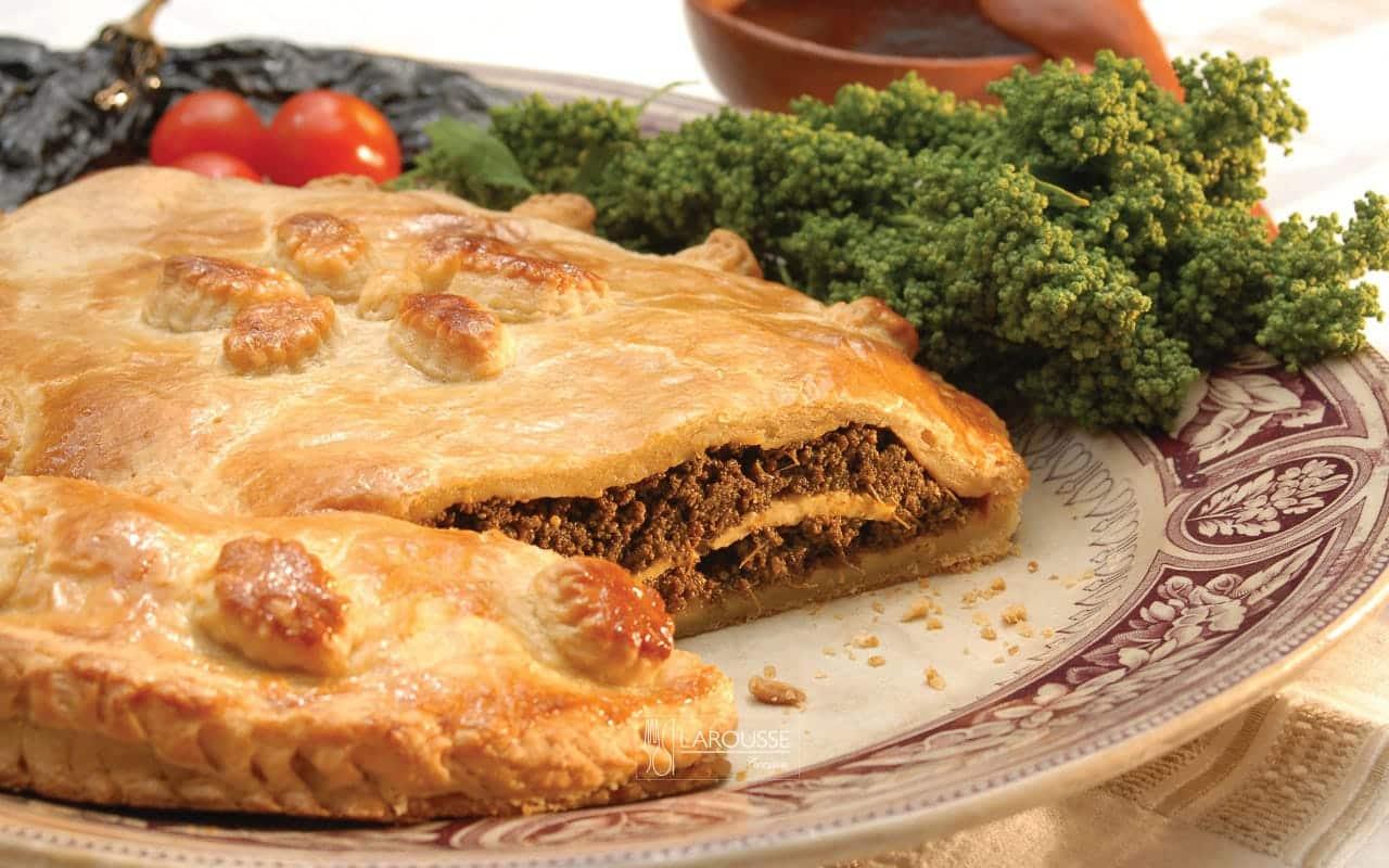 tarta-de-huauzontles-con-salsa-de-chile-pasilla-001-larousse-cocina_0