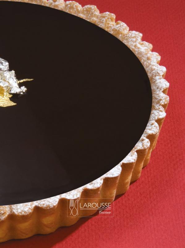 tarta-tibia-de-chocolate-001-larousse-cocina