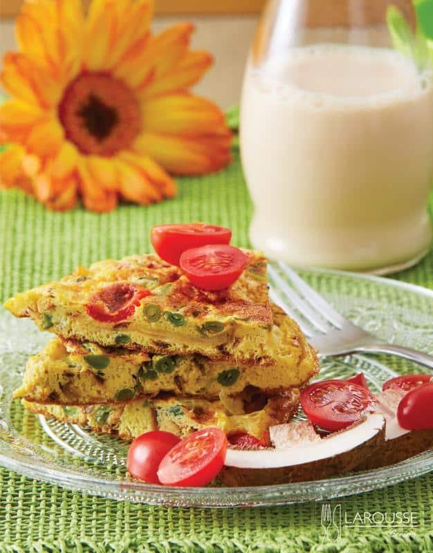 tortilla-de-huevo-jitomates-cherry-y-ejotes-001-larousse-cocina-banner