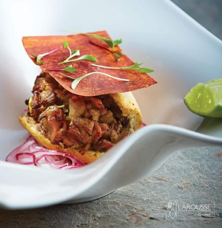 tortita-ahogada-de-carnitas-de-ternera-001-larousse-cocina