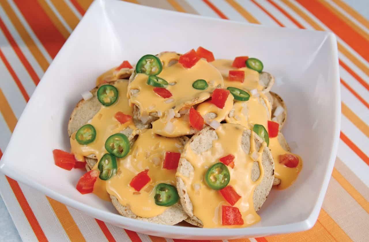 Foto. Nachos preparados con queso amarillo. (Archivo Gráfico Larousse).