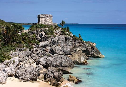 Foto:Parque Nacional Tulum,Cancún.© Shutterstock / Reproducción autorizada por el INAH.