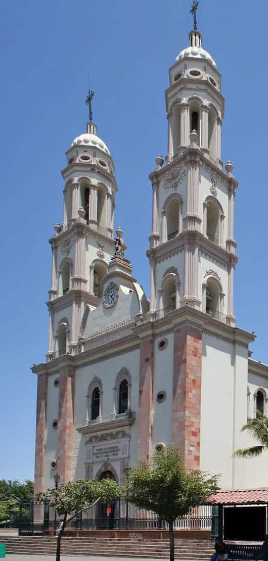 Foto: Catedral de San Miguel Arcángel, Culiacán. © Shutterstock / Reproducción autorizada por el INAH.