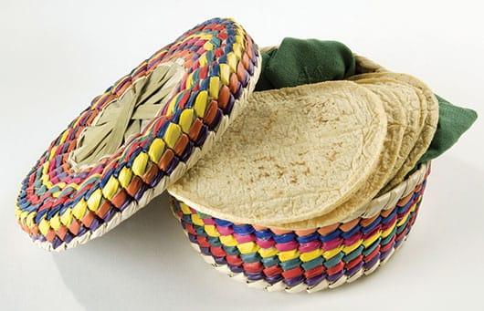 Foto: Taxcal de colores con tortillas de maíz. © Shutterstock.