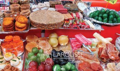 Foto: Puesto de dulces mexicanos. © Ediciones Larousse / Jorge González.