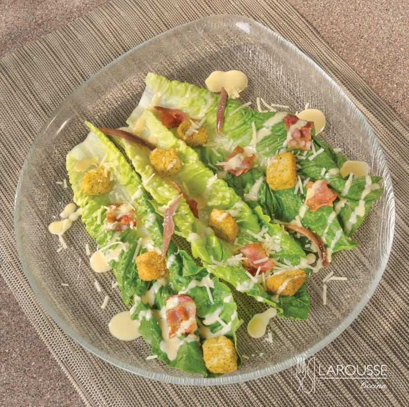 ensalada-cesar-001-larousse-cocina
