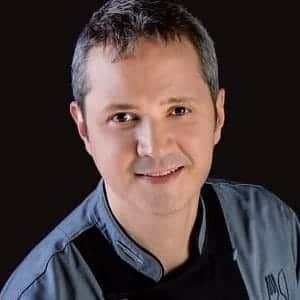 Bernardo Flores